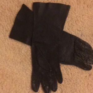 Accessories - Leather gloves size small
